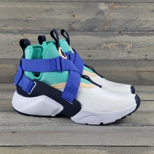 Nike Air Huarache City W/Changeable Straps NEW